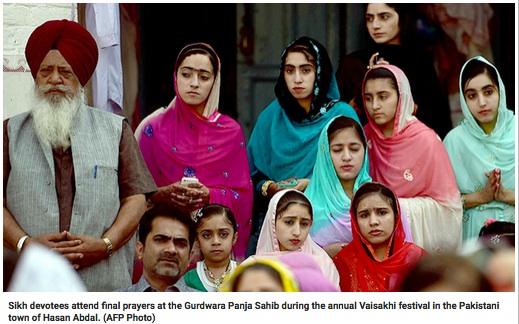 sikh in pakistan.jpg